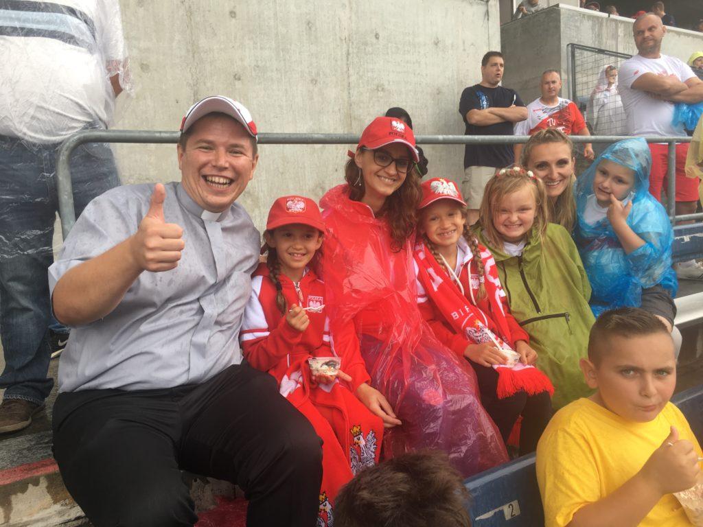 Rodzinne wyjście ministranckie – mecz legend piłkarskich reprezentacji Brayzlii i Polski