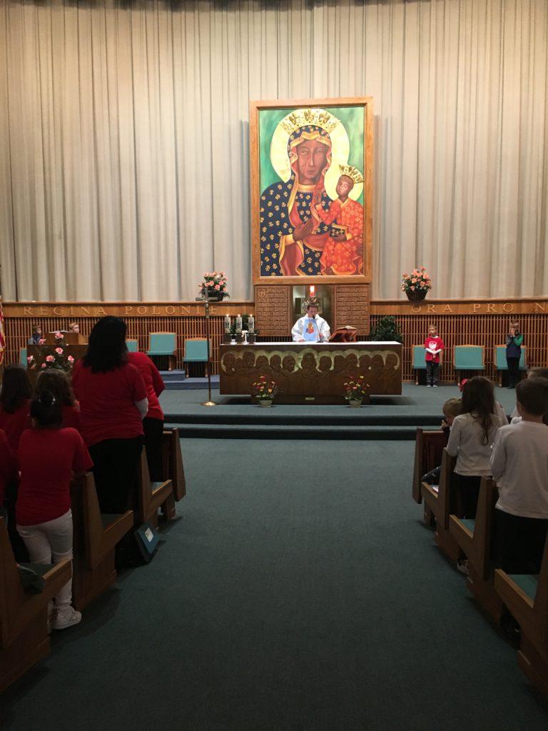 Pielgrzymka dzieci komunijnych do Sanktuarium Matki Boskiej Częstochowskiej w Merrville.