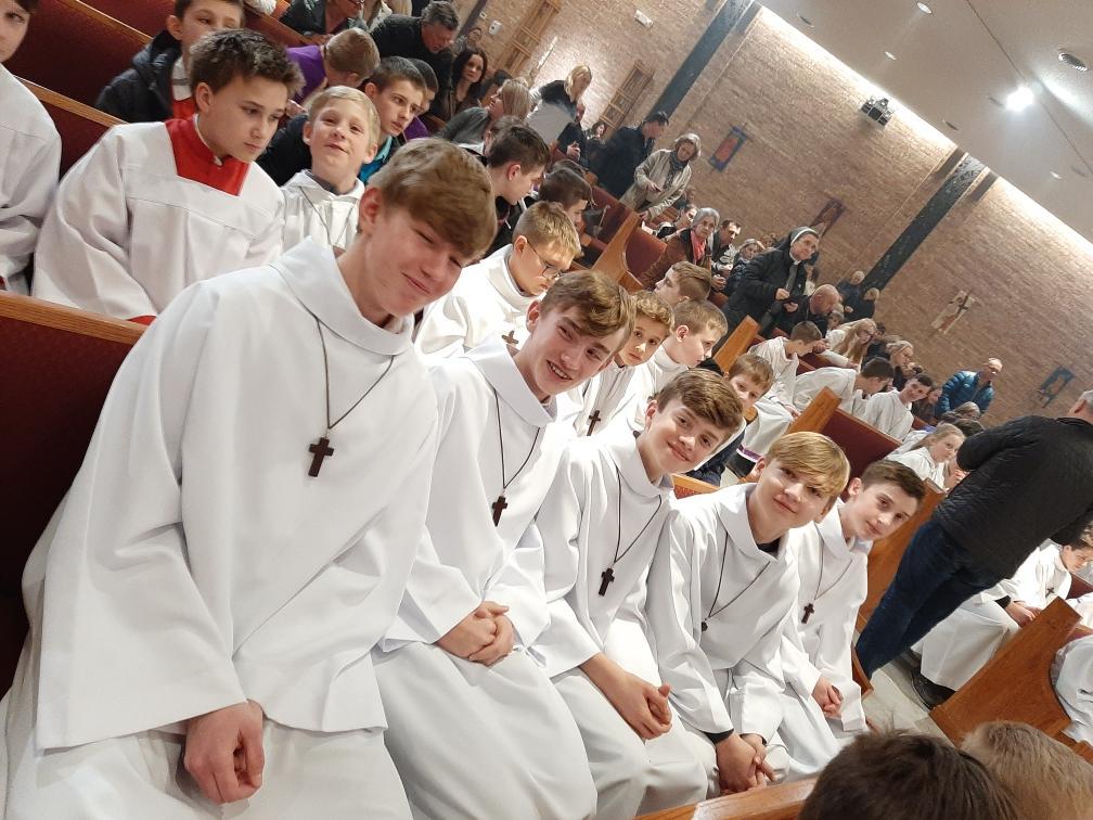 Spotkanie ministrantów w kościele św. Tomasza Becketa w Mount Prospect